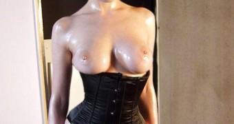 Dita Von Teese - Body Paint