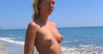 maria sharapova naked at beach