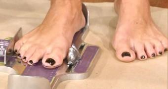 Kelly Ripa - Feet, Toes & Footwear.