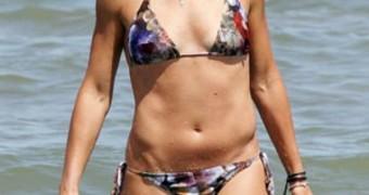 Flavia Pennetta at the sea