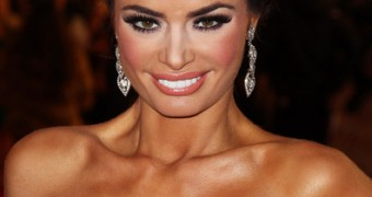 CHLOE SIMS CELEB WHORE