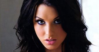 Alice Goodwin - UK Glamour Model