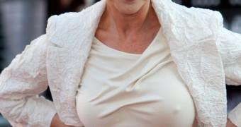 Helen Mirren pokies!