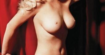 Lindsay Lohan nipples and tits