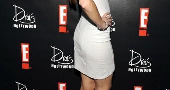 Amanda Righetti (featuring her amazing legs)