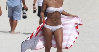 Melody Thornton (bikini)