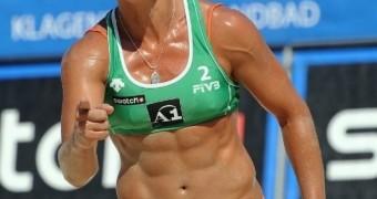 Larissa França (brazilian hot sexy player / beach volley)