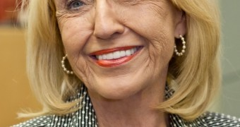 Oh, I love jerking off to Jan Brewer