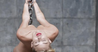 Miley Cyrus nude in new video
