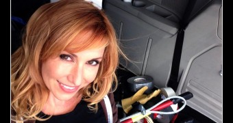"Kari Byron - Wants to wreck ""something\"""