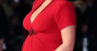 Kate Winslet - pregnant pics
