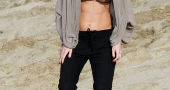 Megan Fox - bikini shots