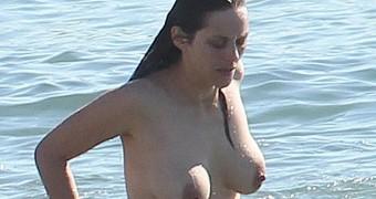 Marion Cotillard Topless on Rust and Bone Set
