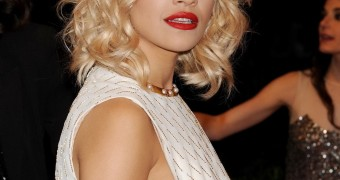 Rita Ora Side Boob