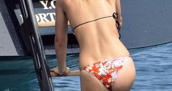 Bar Refaeli - Bikini Candids in Cannes