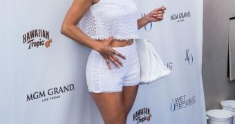 Jennifer Lopez at Pure Nightclub in Las Vegas