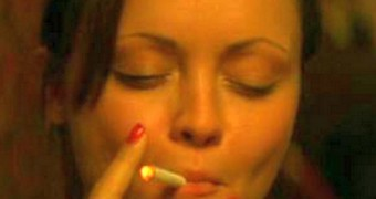 Christina Ricci Up-Close Smoking