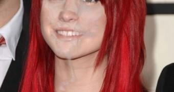 Hayley Williams - Fakes