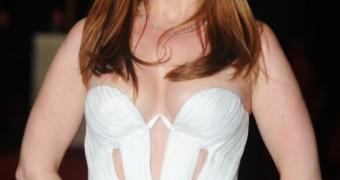 Isla Fisher wants her tits fucked