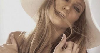 Jennifer Lopez celeberties nude,oops,toopless scandals