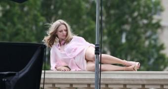 Amanda Seyfried Public Upskirt