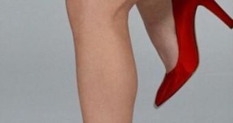Kristin Kreuk legs