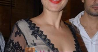 Manisha Koirala Hot and Curvy Bollywood Actress, India