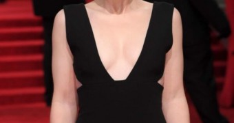 Bryce Dallas Howard - Hot, Curvy and Sexy Hollywood Celeb