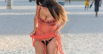 Claudia Romani in a Bikini at South Beach, Miami