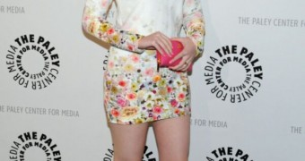 Redhead beauty Molly Quinn