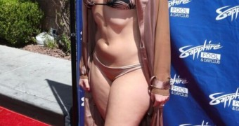 >> Alexis Texas at Sapphire Pool