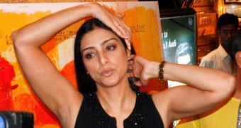 Tabu - Sexy Pics of Hot Indian Celeb (incl Fakes)