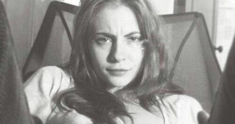 Willa Holland facials