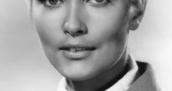 Alexandra Bastedo.....une de mes premières madturbation