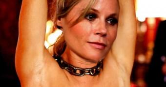 Julie Bowen Fakes