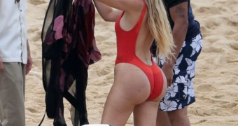 Khloe Kardashian Ass on the beach