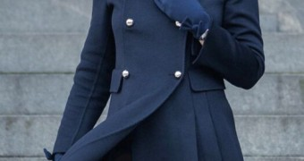 kate middleton, only stockings under the coat, hot princess