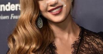 Jessica Alba Facial Fake