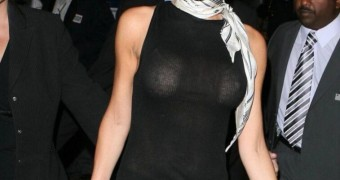 Victoria Beckham seethrough pics