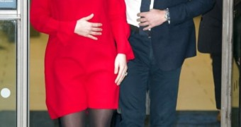 SWEATY TIGHTS Kate Middleton in new sweaty stinky pantyhose