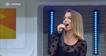 Jeanette Biedermann - Nylon im Fernsehgarten