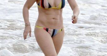 Hilary Duff- Hard Nipples, Pokies in Braless Tops and Bikinis