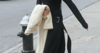 Victoria Beckham - Hard Nipples Pokies