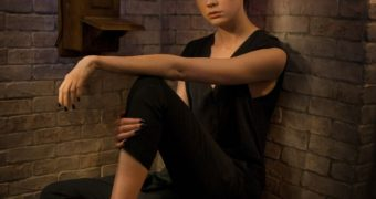 Karen  Gillan, Celebrity Caption Maledom
