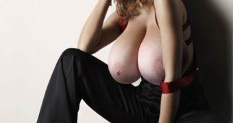 Sarah Michelle Gellar Morph Boobs