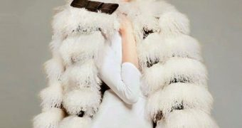 Silke N. ( fakes )   Fur-Fashion