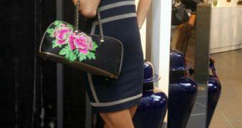 high heels addict Paris Hilton