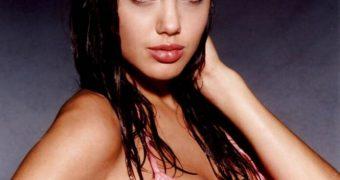 Angelina Jolie - Real Pics