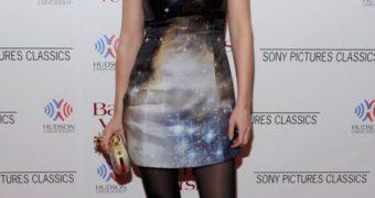 UK Celeb in Pantyhose - Rosamund Pike