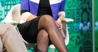 Marissa Meyer in pantyhose